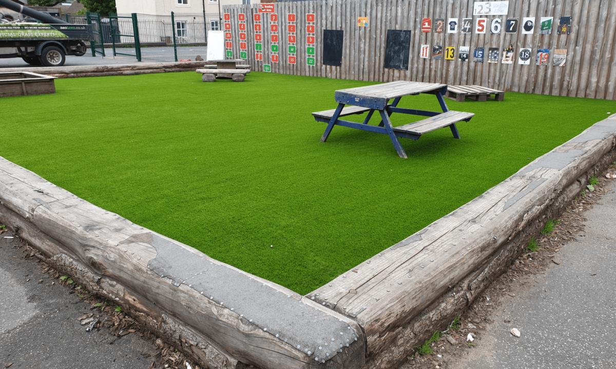easigrass yorkshire EasiPlay Beeston Primary School Leeds 7