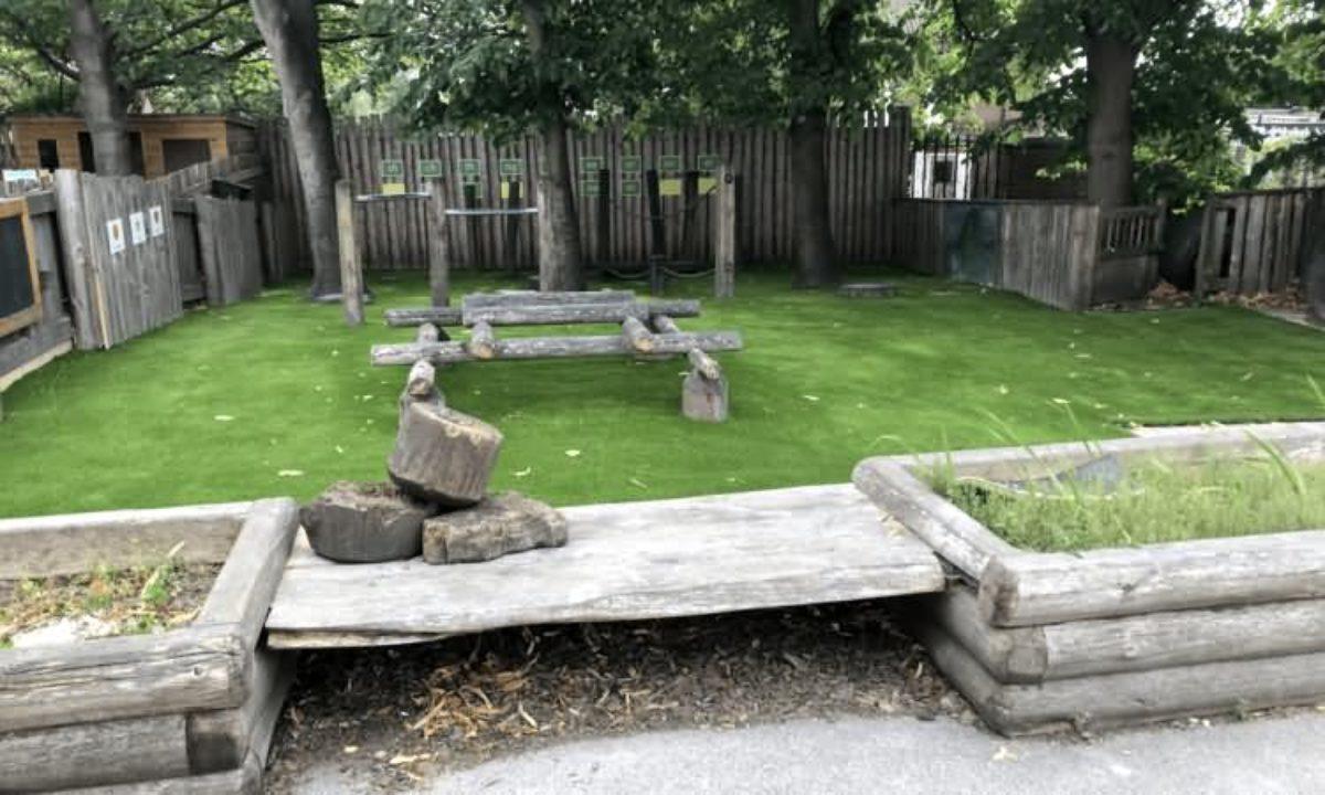 Easigrass Beeston Primary School Artificial Grass 5a
