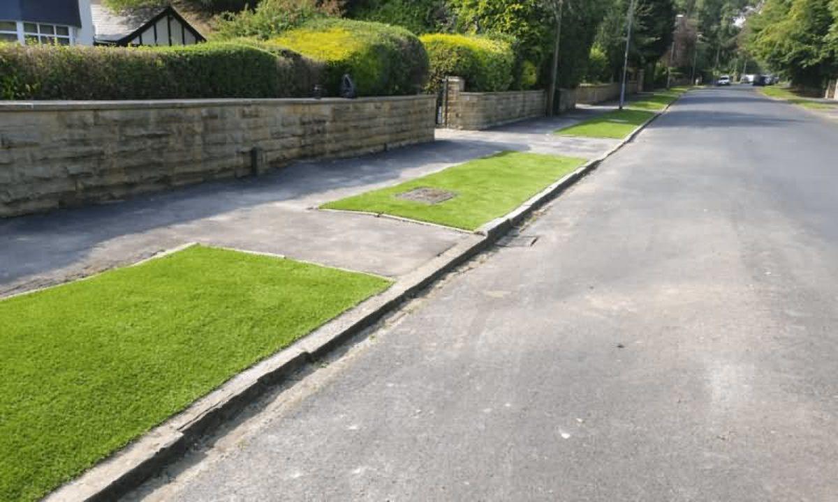 Easigrass Yorkshire Artificial grass walk way
