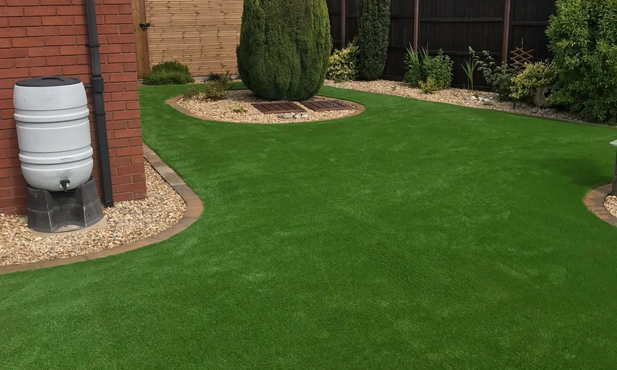 Artificial grass for pets & dogs 2 - Easigrass East Riding