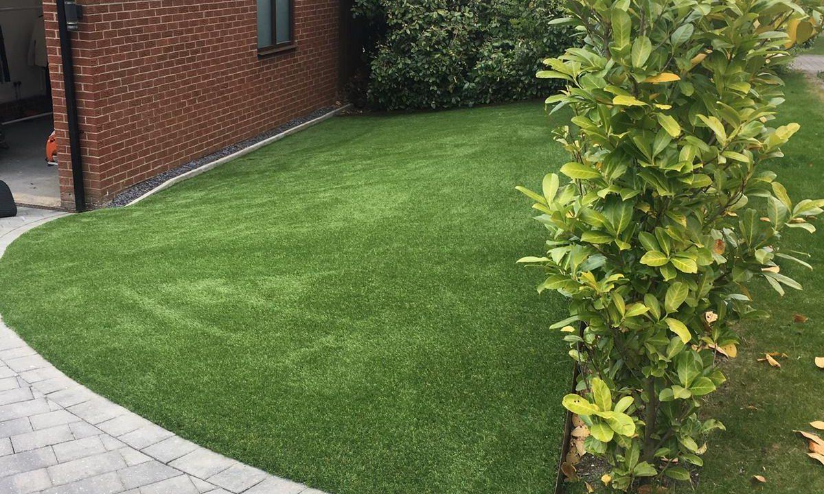 Artificial grass for gardens 3 - Easigrass East Riding